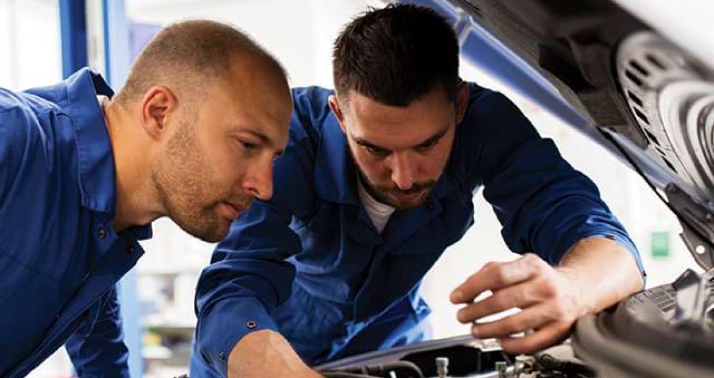 Automotive Service Technicians Go High-Tech